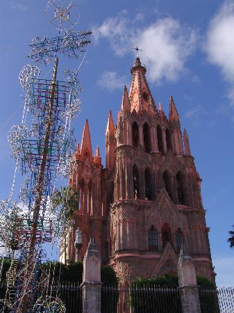 Casa de los Soles: Parroquia de San Miguel de Allende