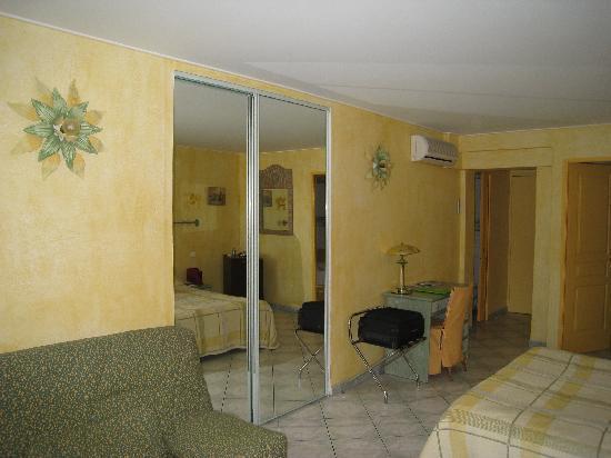 Chambre d'hotes La Potiniere : the room