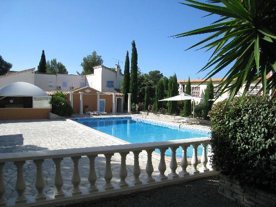 Chambre d'hotes La Potiniere : the pool
