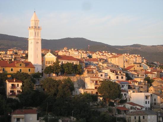 Novi Vinodolski, Croacia: Blik op Novi-Vinodolski