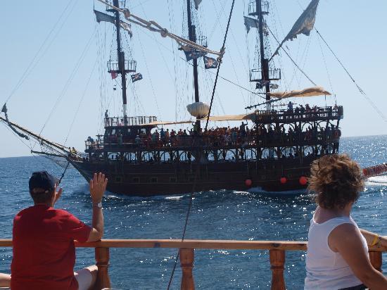 Ali Bey Club Manavgat: gallion boat