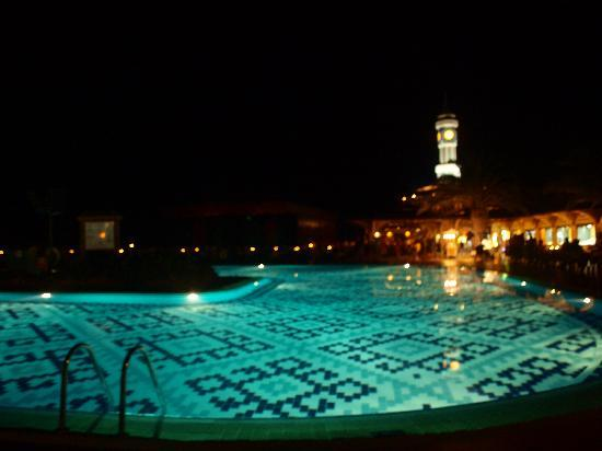 Ali Bey Club Manavgat: pool at night