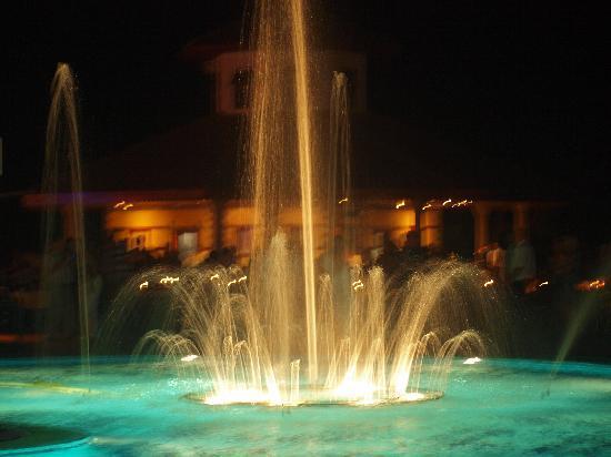Ali Bey Club Manavgat: pool water lights