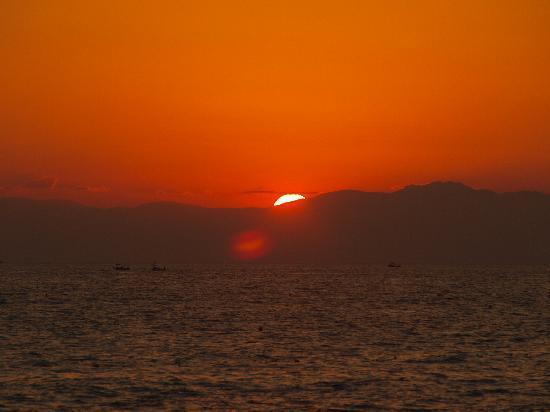 Ali Bey Club Manavgat: sunset on the beach