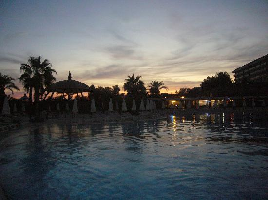 Saphir Resort & Spa: evening