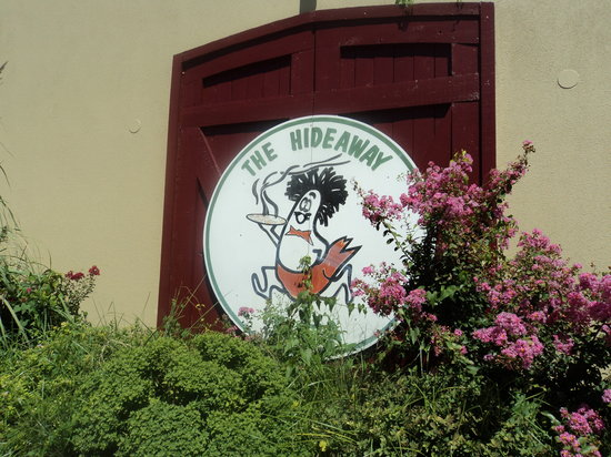 Hideaway Pizza : sign
