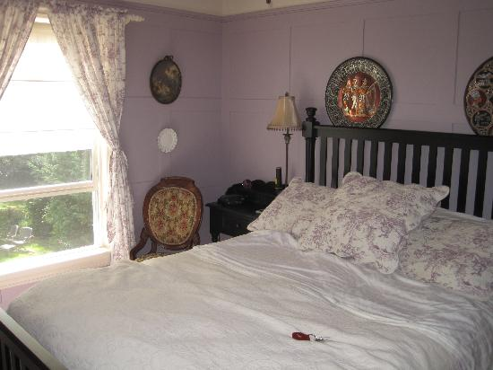 Duncan-Quinn House: Our room