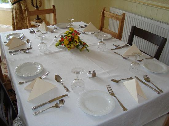 Arden House: Table set for Breakfast