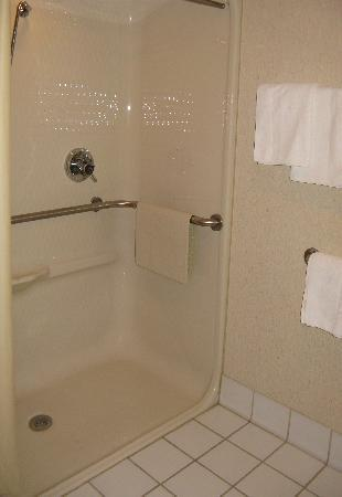 Willow Creek Inn: Handicapped accessible rooms.