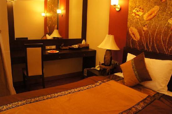 沙吞歡樂酒店照片
