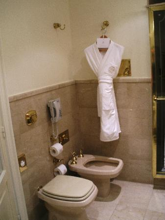 Alvear Palace Hotel: the toliet and BIDET
