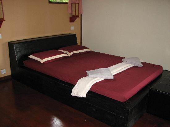 The Last Frontier Boutique Resort : our bedroom