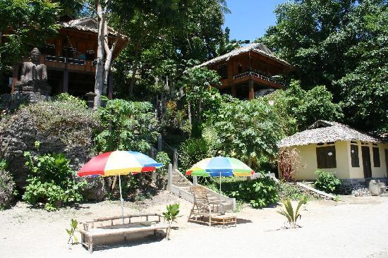 Bunaken Island Resort: Beach Impresion
