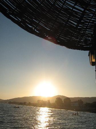 Asa Club Holiday Resort: Couche du soleil sur le ponton avec apero c'est top