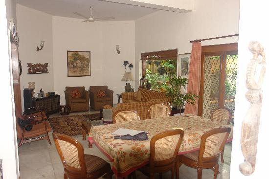 Saubhag Bed and Breakfast: Main family room/common area