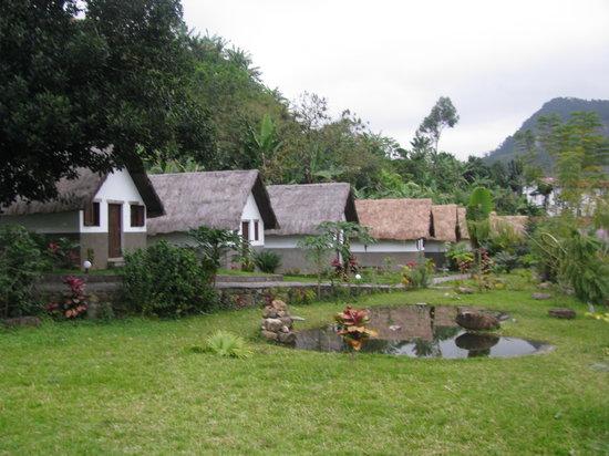 Ranomafana, Madagascar: bungalows près de la rivière