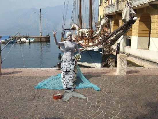 Hotel Sirena: Nixe am Hafen