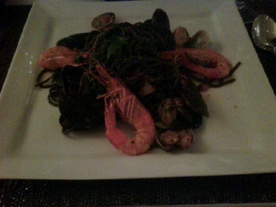 Restaurant Novamesa : Linguini with Seafood