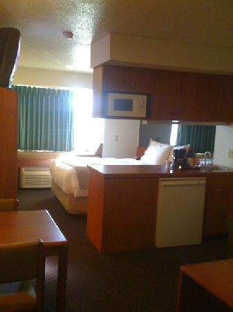 Microtel Inn & Suites by Wyndham Rice Lake : Room/Suite Microtel