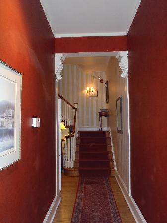 La Reserve Center City Bed and Breakfast: le couloir menant aux chambres