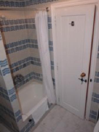 Hotel Temple Pradorrey: Cuarto de baño con bañera antiquísima