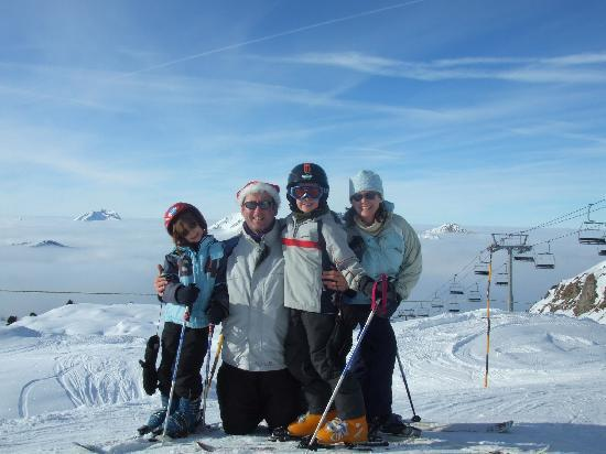 La Ferme du Chateau : skiing on top of the world