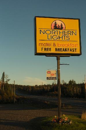 Northern Lights Motel & Chalets - Wawa: Stay here!!