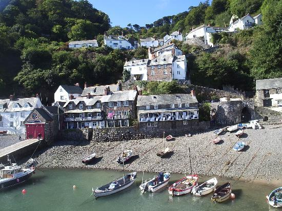 Clovelly harbour picture of windsor house great torrington
