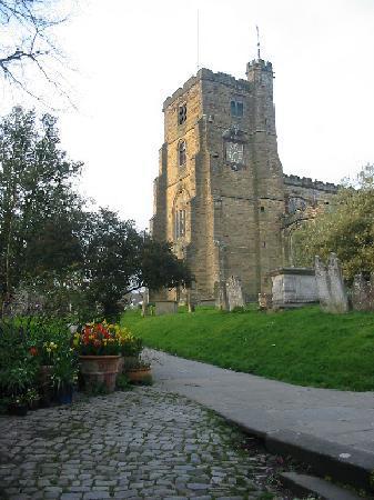 Church Gates: Front garden and churchyard