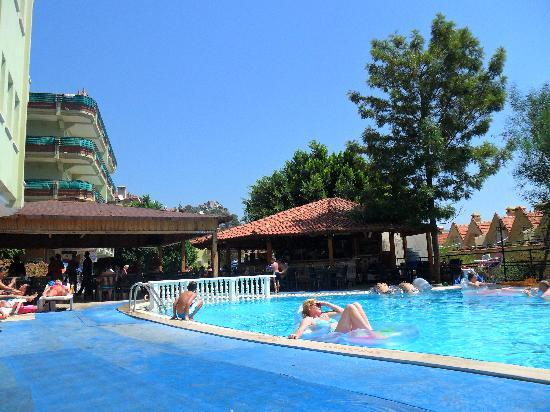 Lunamar Apartments : Swiming Pool Area