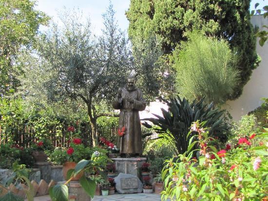 Mediterraneo: Exquisite Garden / Patio 2