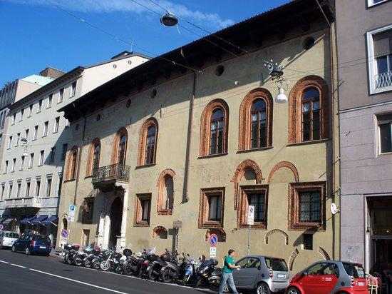 Casa Fontana Silvestri: facciata