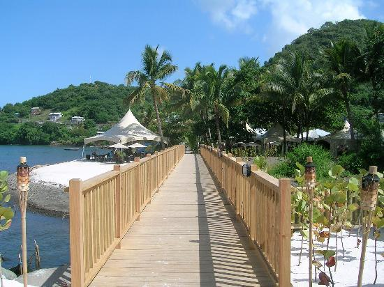 Buccament Bay Resort : Bridge to Paradise