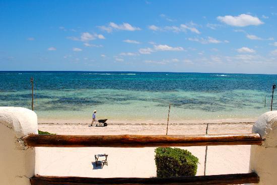 هوتل مايا لونا ماهاهوال: View from balcony of our cabana