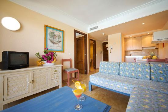 Alcudia Beach Aparthotel: Appartment