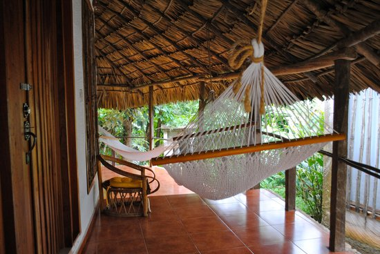 Hotel La Aldea del Halach Huinic: hammock in front of our bungalow