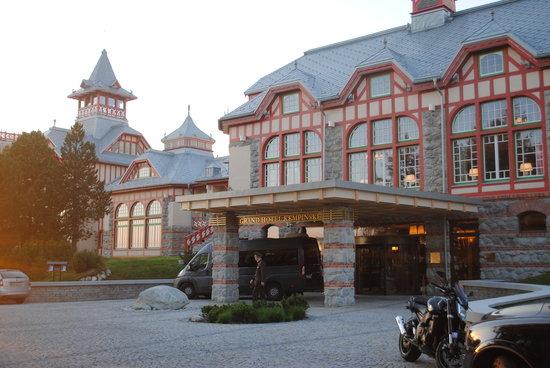 Štrbské Pleso, Slovensko: Hotel Eingangsseite