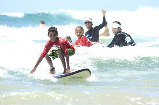 Best Place to Learn Surfing - Review of Surf Camp ...