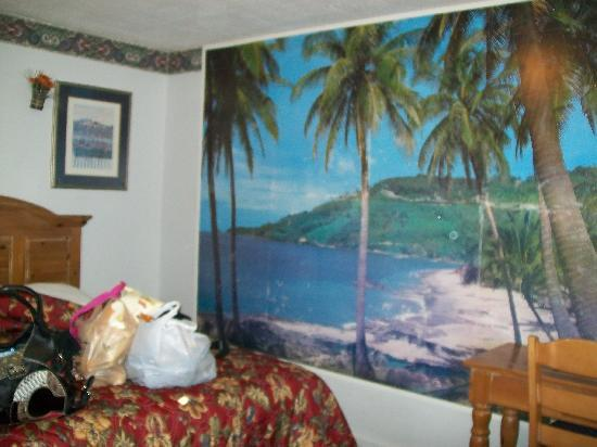 Americas Best Value Inn-Stonington/Mystic: wall photo