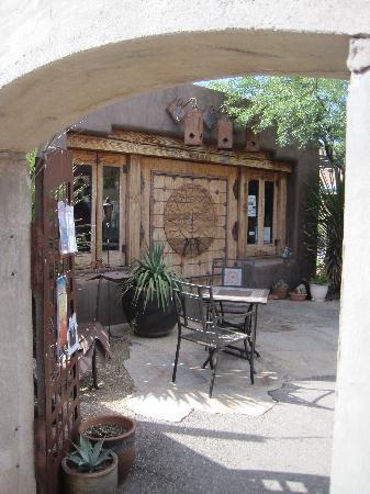 Xetava Gardens Cafe: The patio