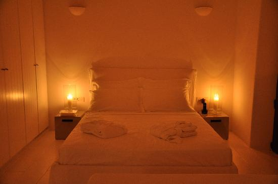 Aenaon Villas: By candlelight...
