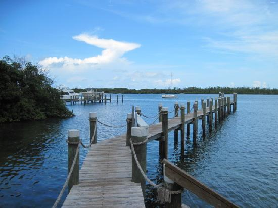 Jupiter Waterfront Inn : view of dock
