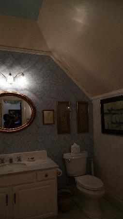 La Belle Epoque: View of the bathroom