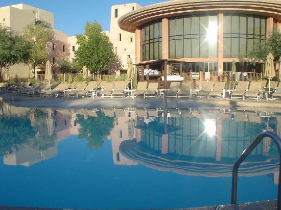 Chandler, AZ: Pool at Sunset