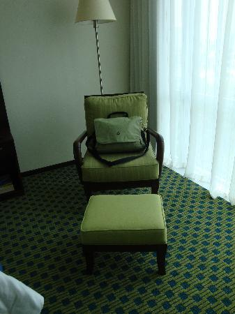 Courtyard Guayaquil: Loved the chair!!!! looks and feels expensive!