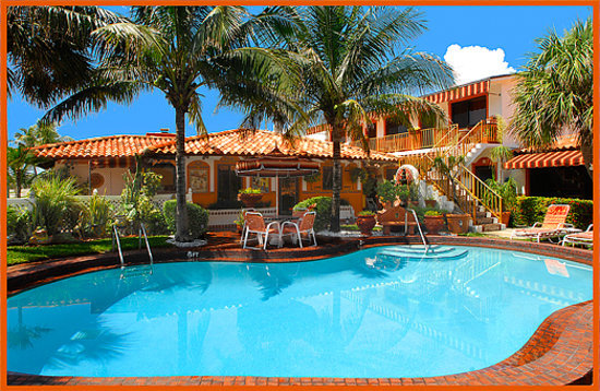 Blue Seas Courtyard: Welcome to our Mexican-style hacienda