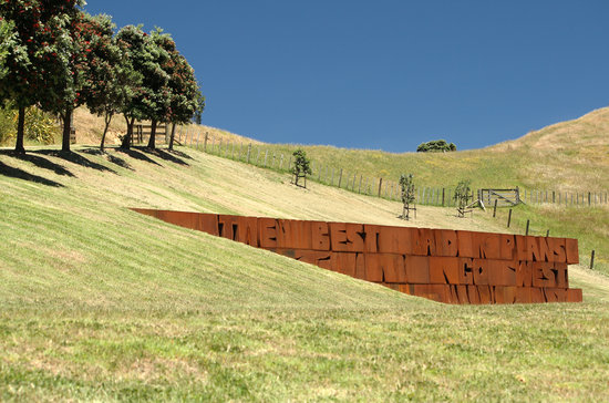 Isla Waiheke, Nueva Zelanda: Dave McCracken at Connells Bay Sculpture Park