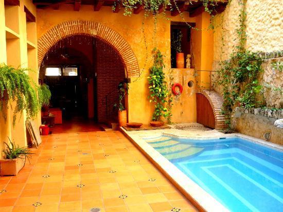 Vista desde la sala de estarmientras esper bamos nuestra for Hotel piscina habitacion