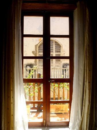 Casa India Catalina : Ventana-balcon habitación