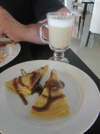 Secrets Silversands Riviera Cancun : Crepes filled with peanut butter with candied goats milk sauce....heaven